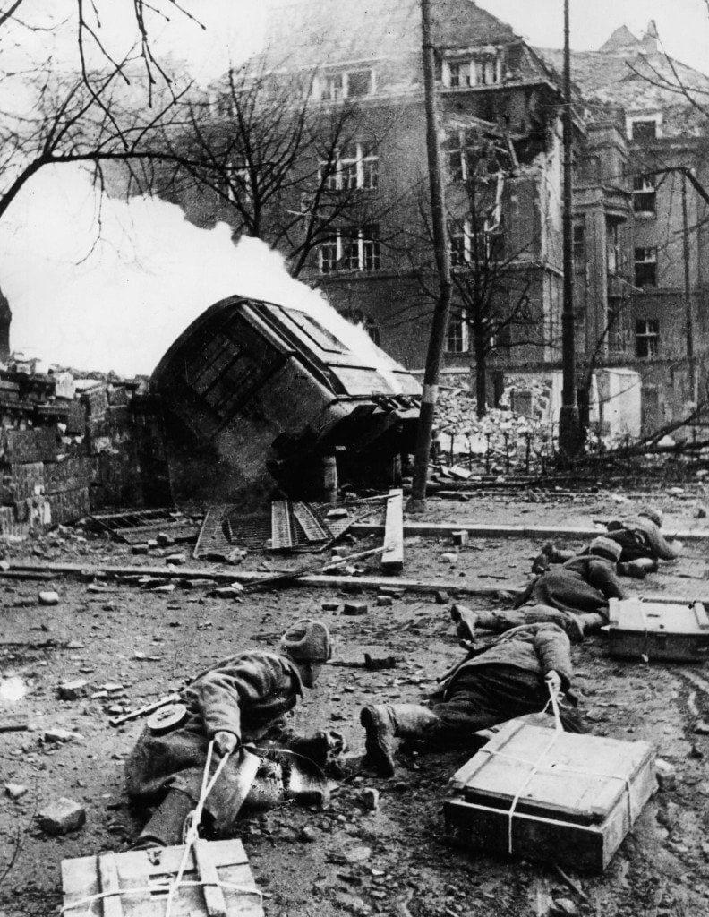 1945_-_Festung_Breslau_266215_Fotopolska-Eu