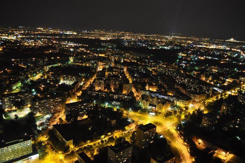 14 lutego za darmo odwiedzimy punkt widokowy Sky Tower. – MiejscaWeWroclawiu.pl