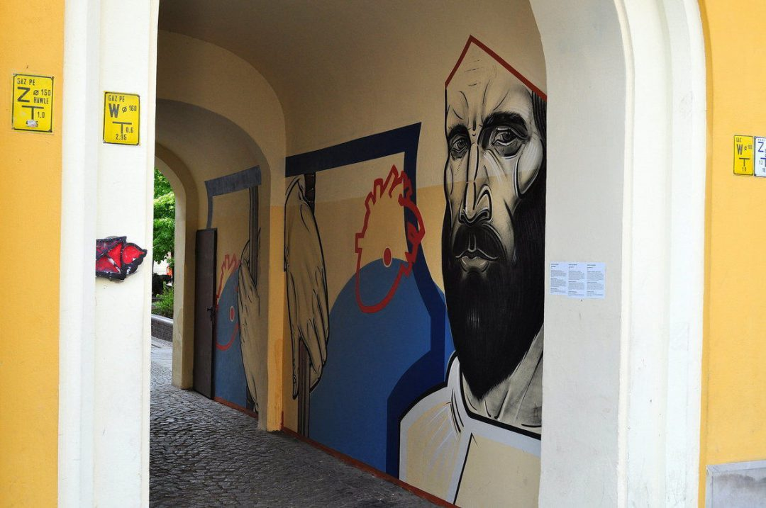 Artyści pomalowali przejście Garncarskie.