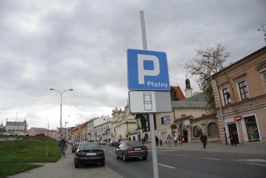 W sobotę na parkingach miejskich, zaparkujemy za darmo :]