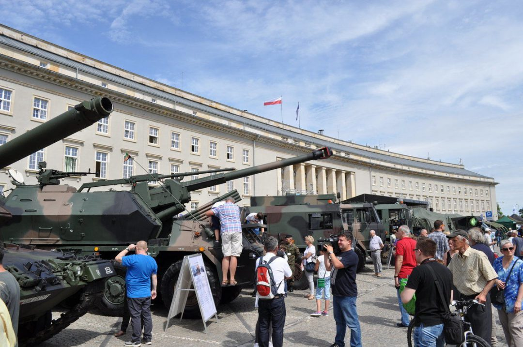 Przy Urzędzie Wojewódzkim pojawią się czołgi.