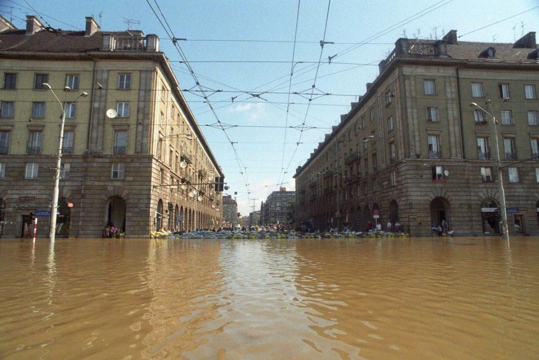 Mija 20 lat od kiedy nasze miasto znalazło się pod wodą… – Miejsca we Wrocławiu.