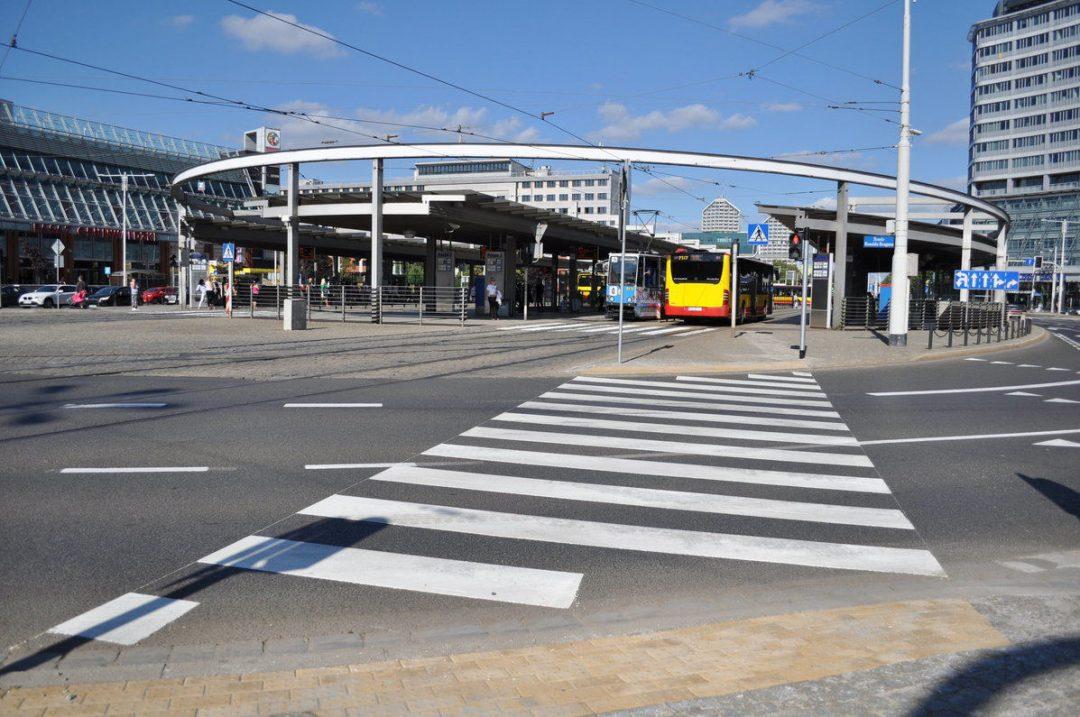 Nowe przejścia dla pieszych na Rondzie Regana. – Miejsca we Wrocławiu.