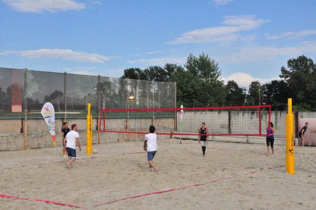 Na Swojczycach otwarte zostało nowe boisko do siatkówki plażowej. – Miejsca we Wrocławiu.