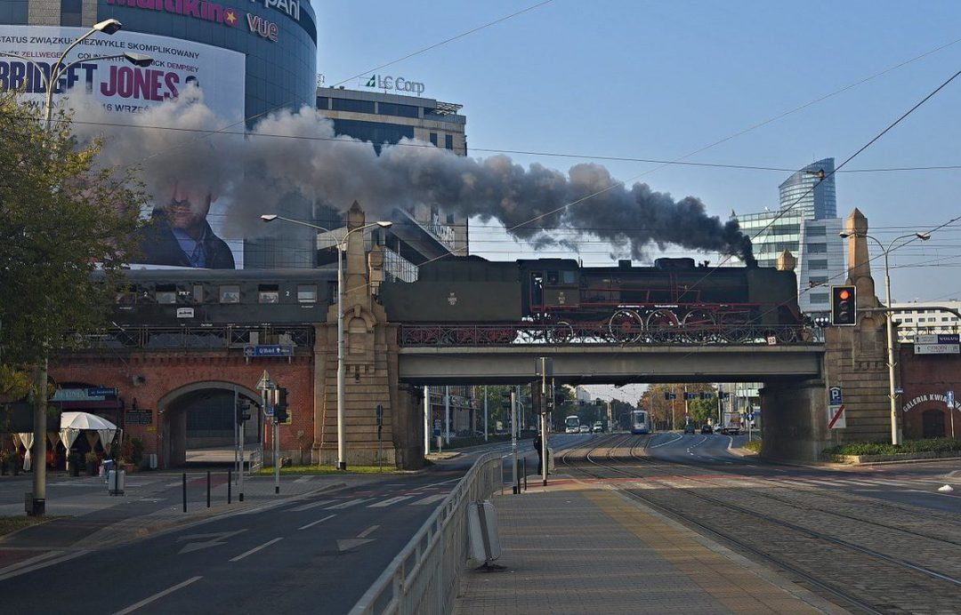 Zabytkowy pociąg kursuje dziś przez Wrocław. – Miejsca we Wrocławiu.