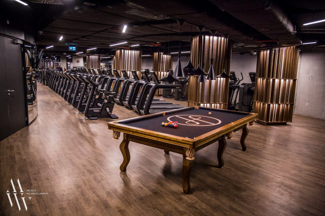"""Otwarcie """"Holmes Place"""", czyli ekskluzywnego połączenia fitness i wellness w OVO Wrocław. – Miejsca we Wrocławiu."""