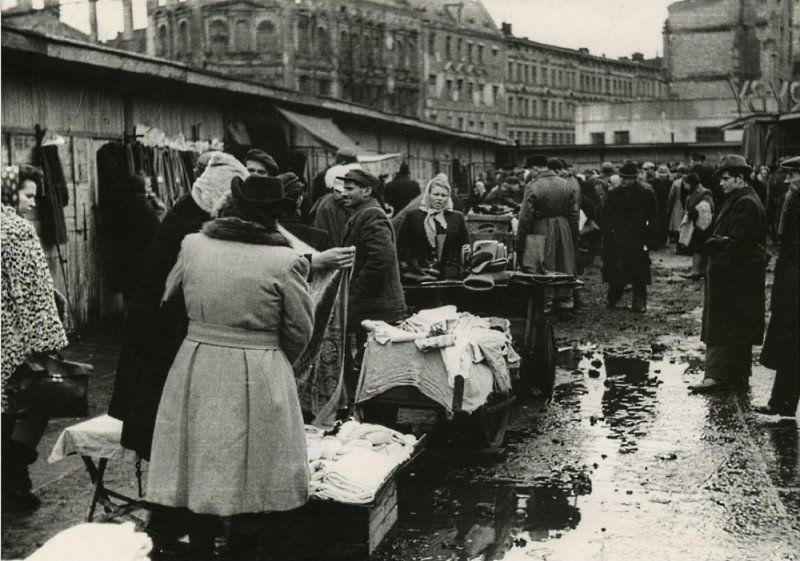 Wrocław po wojnie cz.2 – Kto kupował na Szaberplacu? – Miejsca We Wrocławiu.
