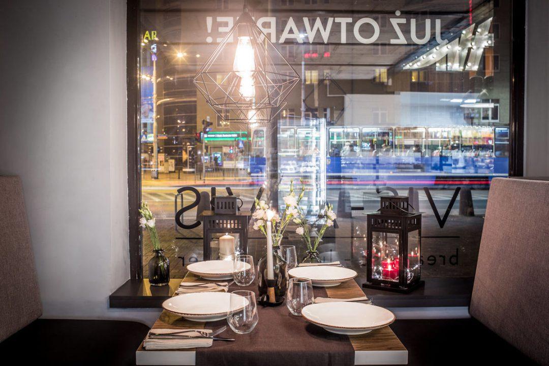 """Nowa restauracja """"Vis-a-Vis"""", we Francuskim klimacie. – Miejsca we Wrocławiu."""