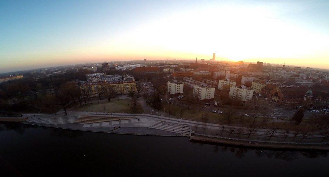 Światowy dzień Ziemi na Bulwarze Dunikowskiego. – Miejsca we Wrocławiu.