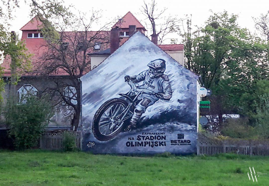 Powstał nowy mural, najbardziej spodoba się zwolennikom żużla! – Miejsca we Wrocławiu.