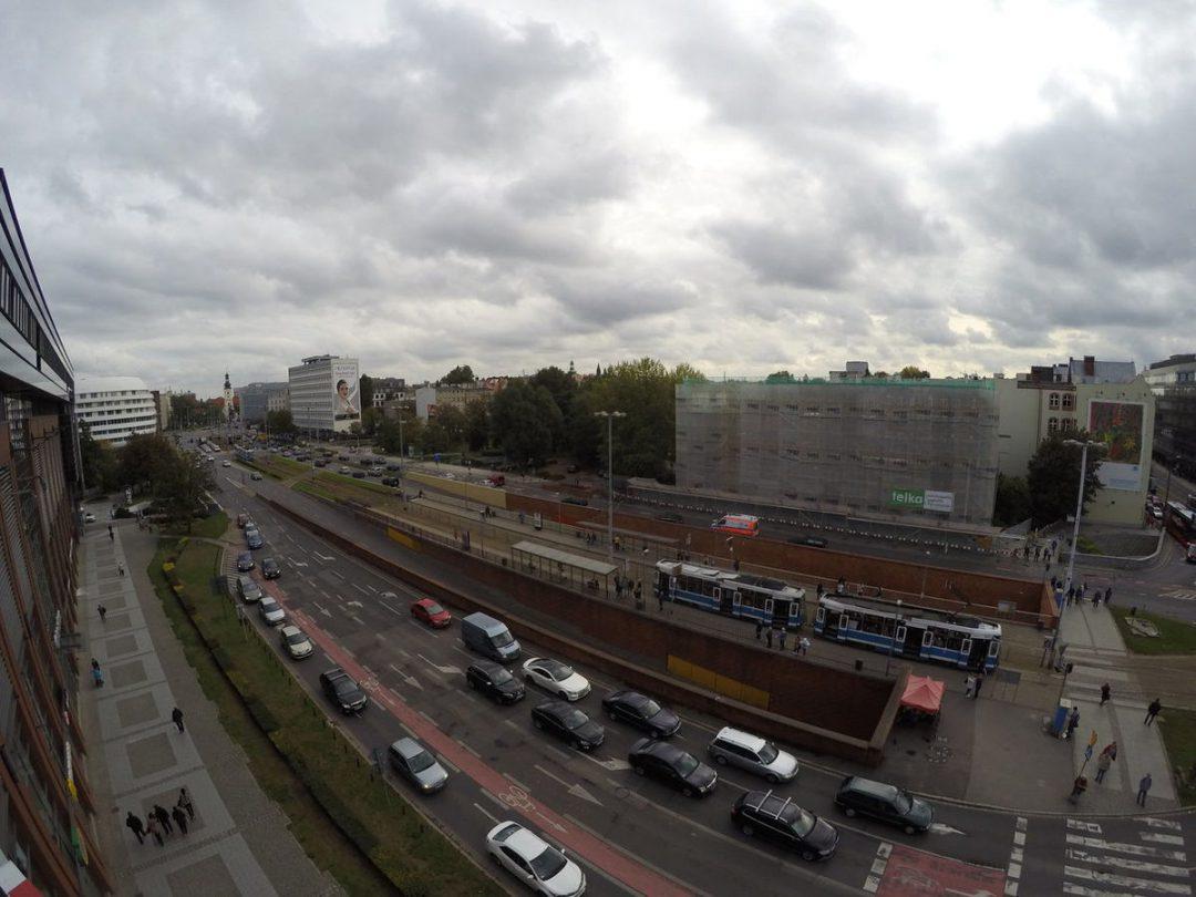 Budynek PZU znika z placu Dominikańskiego [ZDJĘCIA] . -MiejscaWeWroclawiu.pl