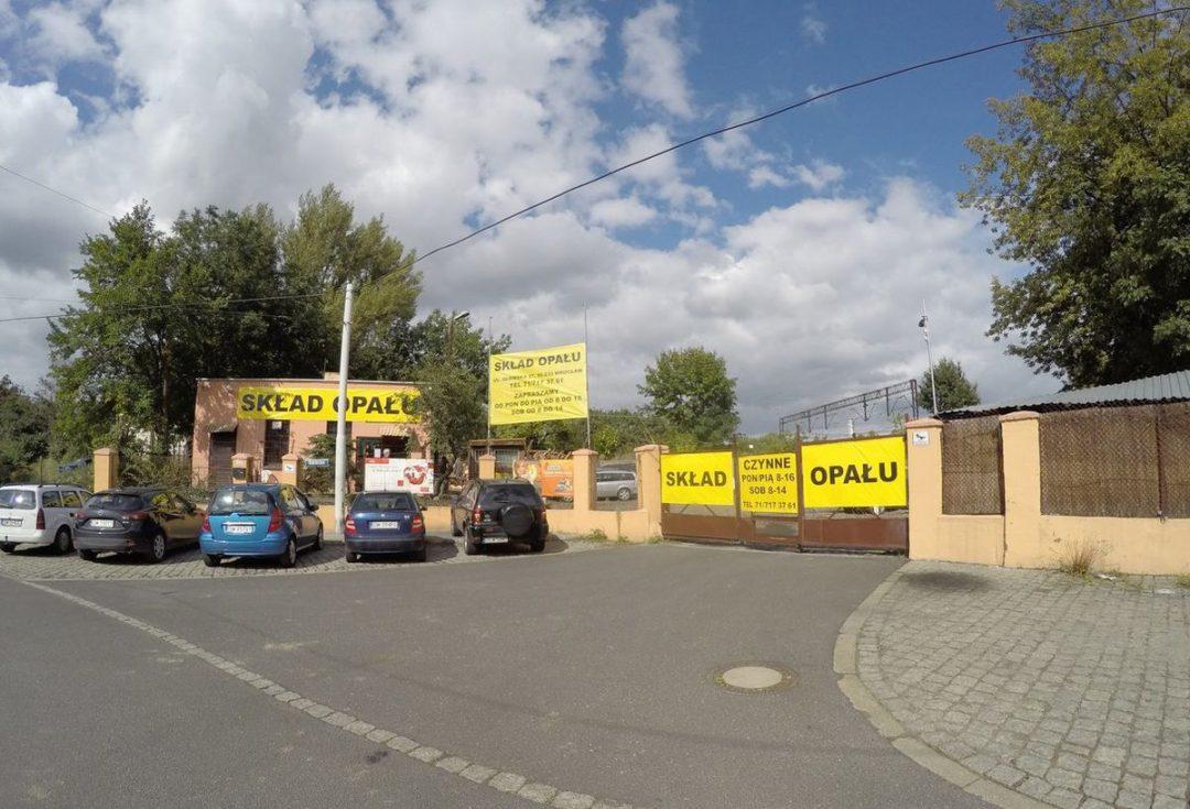 Najstarszy skład opału we Wrocławiu wciąż jest czynny [ZDJĘCIA]. – MiejscaWeWroclawiu.pl
