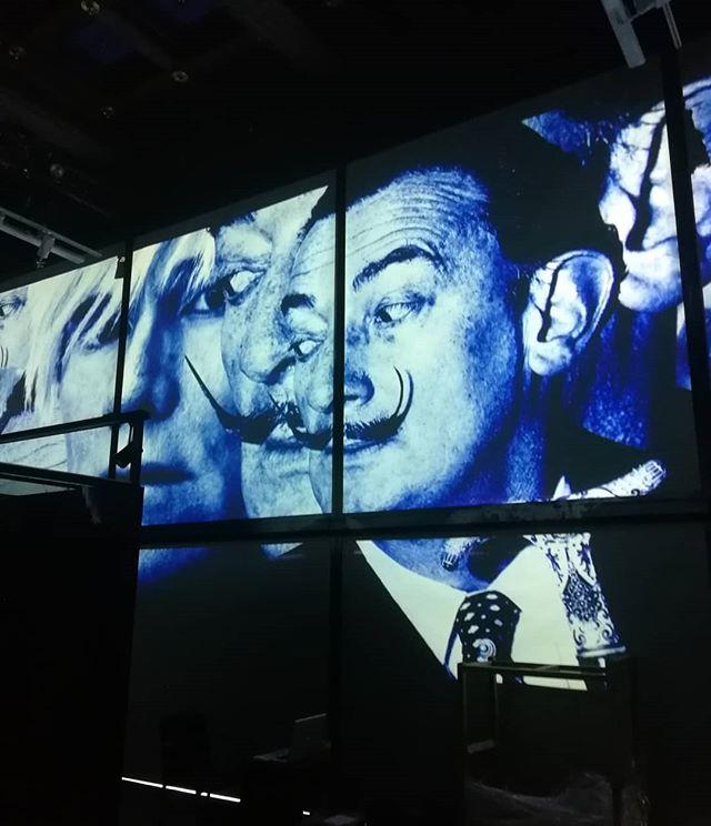 Salvador Dali, Andy Warhol – co o nich wiecie? Wystawa w muzeum teatru – otwarta! – MiejscaWeWroclawiu.pl