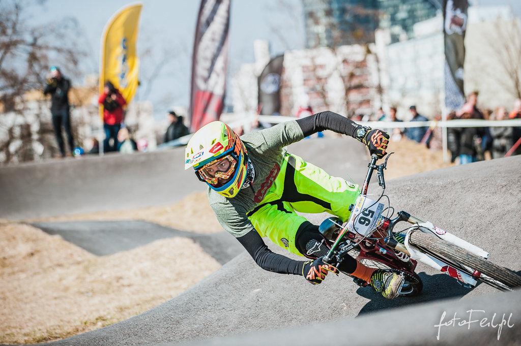 Pierwsze zawody o Puchar Wrocławia na torze PumpTrack [ZDJĘCIA]. – MiejscaWeWroclawiu.pl