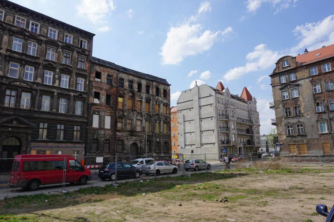 Przy ul. Kurkowej wyburzają budynek, który jest nieoficjalnym zabytkiem . – MiejscaWeWroclawiu.pl