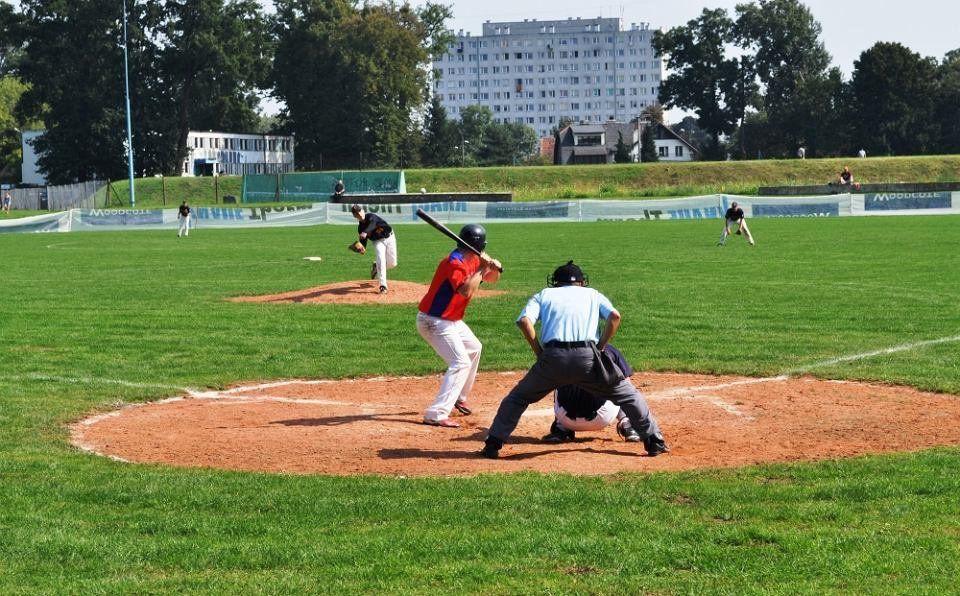 W sobotę otwarcie nowego boiska baseballowego. – MiejscaWeWroclawiu.pl