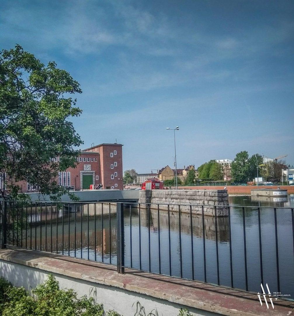 W elektrowni wodnej wyłowiono topielca. – MiejscaWeWroclawiu.pl