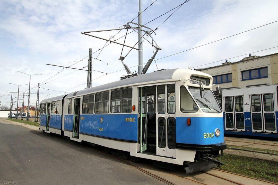 """""""Konstal 102Na"""" po renowacji wraca na Wrocławskie tory. – MiejscaWeWroclawiu.pl"""