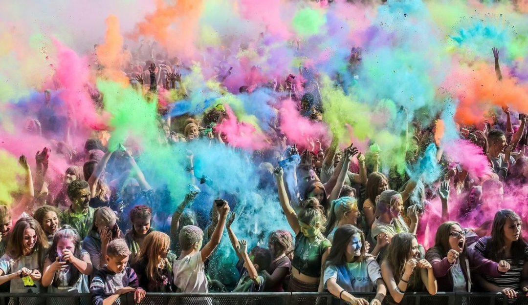 Festiwal Kolorów na Polach Marsowych [HARMONOGRAM]. – MiejscaWeWroclawiu.pl