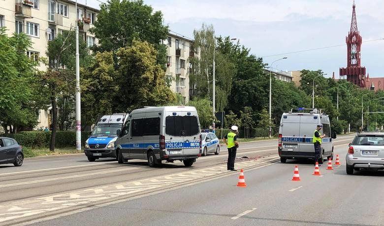 Tragedia na ulicy Grabiszyńskiej. Tramwaj śmiertelnie potrącił starszą kobietę. – MiejscaWeWroclawiu.pl