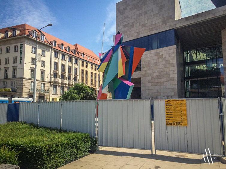 Przy Capitolu powstał nowy pomnik za ponad milion złotych. – MiejscaWeWroclawiu.pl