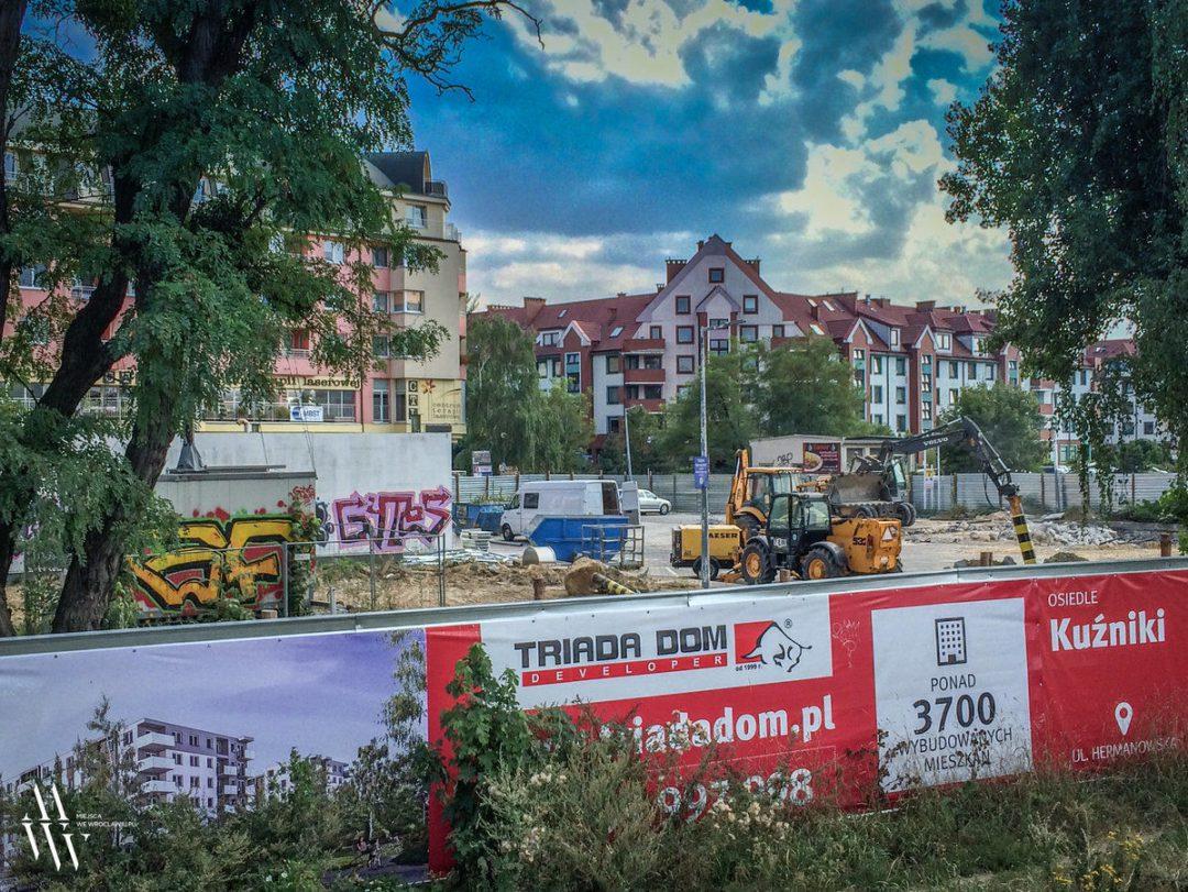 W miejscu dawnej stacji benzynowej powstanie budynek mieszkalny. – MiejscaWeWroclawiu.pl