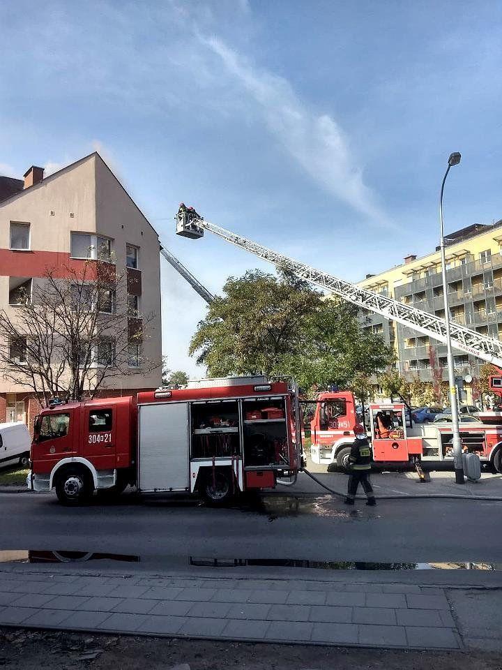 Pali się dom przy ul. Krzyckiej. – MiejscaWeWroclawiu.pl