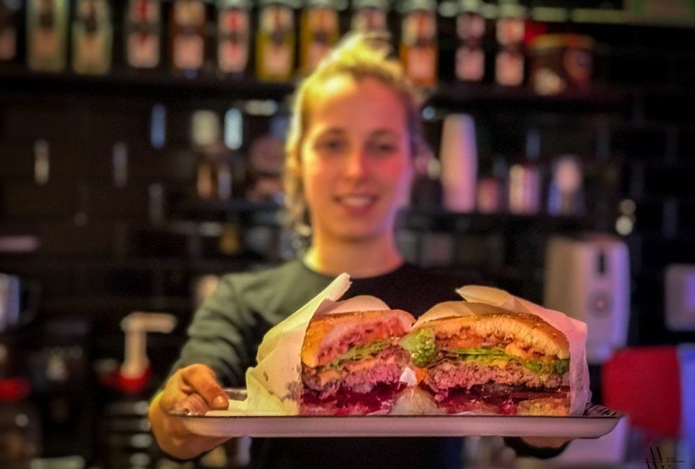 Moaburger wchodzi z korzystną promocją, czyli burgery po 18 zł.