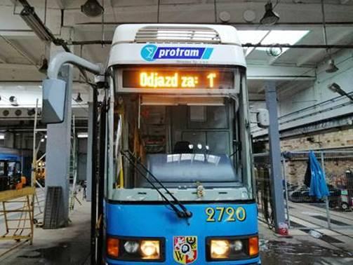 Autobusy i tramwaje z wyświetlaczami pokażą, ile czasu zostało do odjazdu.