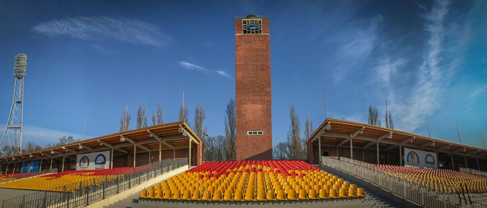 Zobacz jak wygląda od środka, wieża zegarowa na Stadionie Olimpijskim [FOTORELACJA].