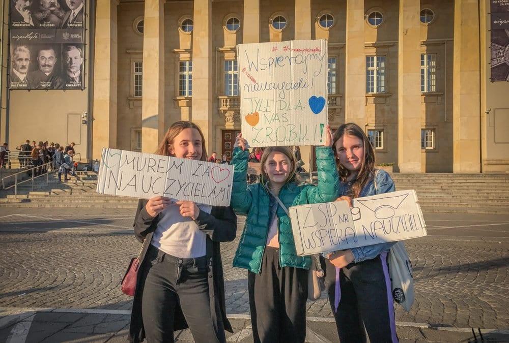"""Strajk uczniowski. """"Murem za nauczycielami!"""""""