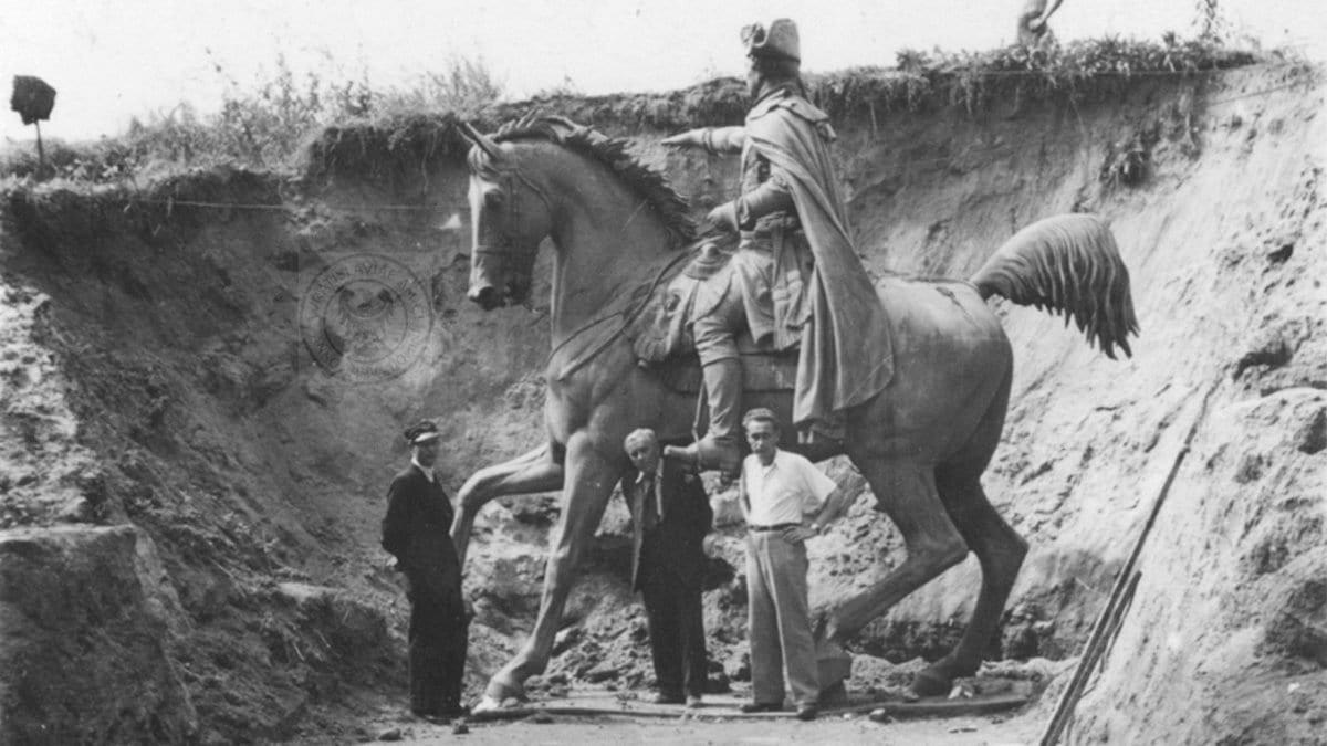 Niefortunny los pomnika króla Fryderyka II Wielkiego.