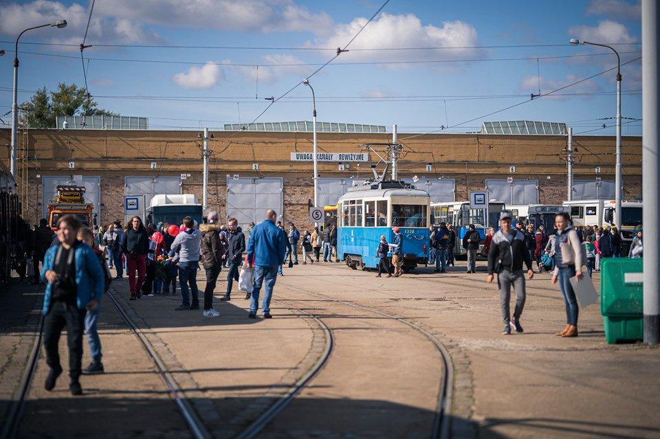 Dzień otwarty MPK Wrocław 2019. Prezentacja najnowszego taboru autobusowego.