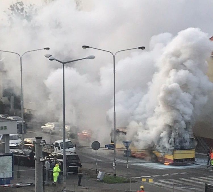Pożar autobusu MPK przy ul. Bezpiecznej.