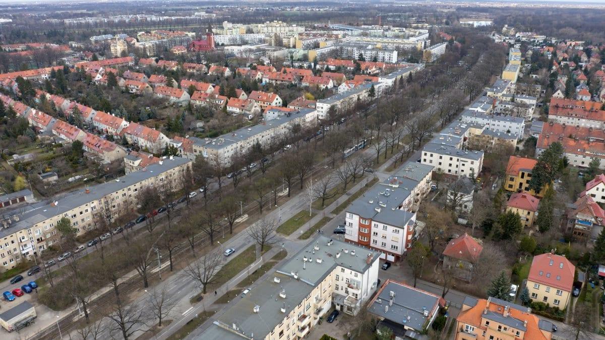 """Biskupin: jedyne takie """"bajkowe"""" osiedle we Wrocławiu."""