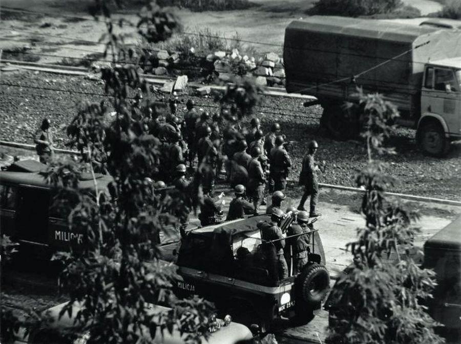 38 rocznica wybuchu stanu wojennego. Przez centrum przejdzie marsz [ARCHIWALNE ZDJĘCIA].