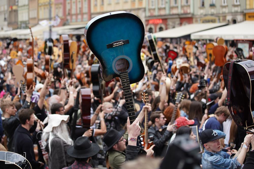 Gitarowy Rekord Guinnessa we Wrocławiu odbędzie się online!