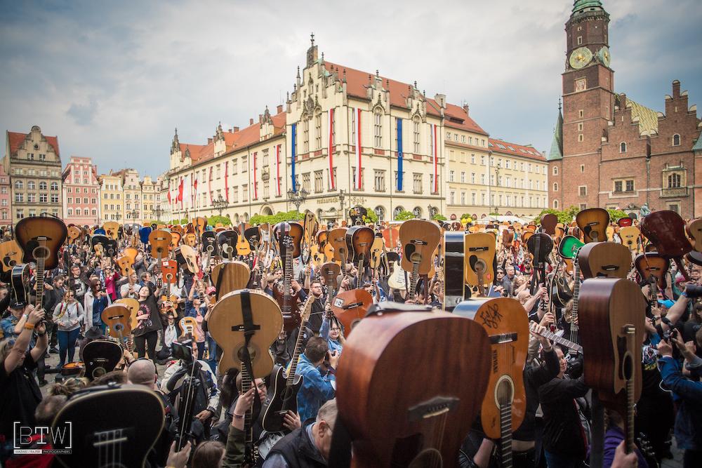 Gitarowy Rekord Świata online: program, nowi artyści, akcje towarzyszące.