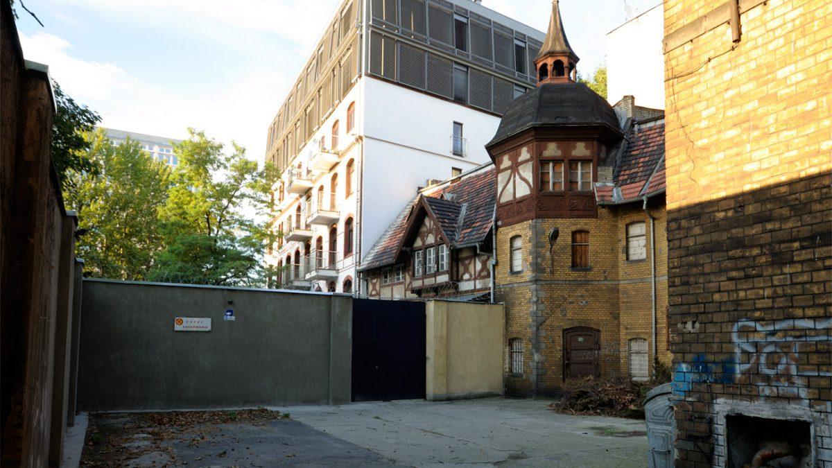 Zapomniane budynki Wrocławia – dawna powozownia przy konsulacie Niemiec.