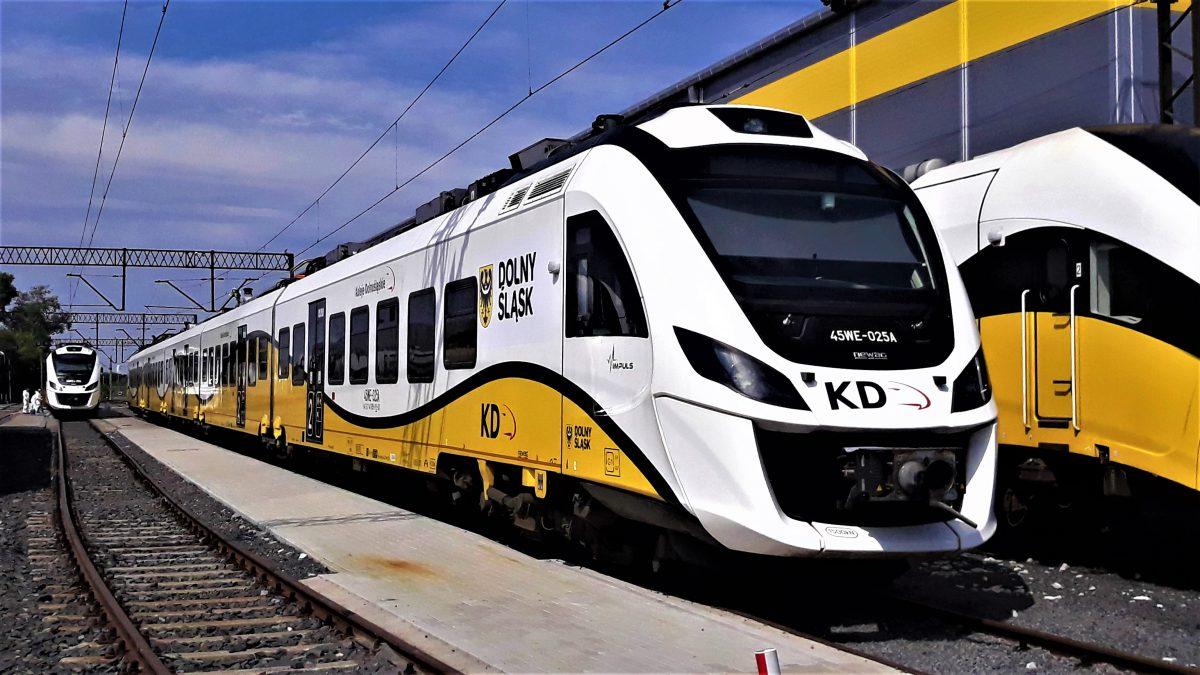 Koleje Dolnośląskie kupują nowe pociągi.