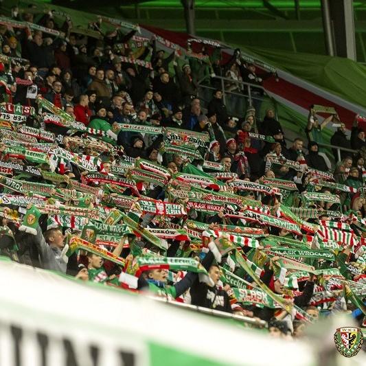 Nowa zapowiedź przystanku Stadion Wrocław z udziałem kibiców Śląska [ODSŁUCH].