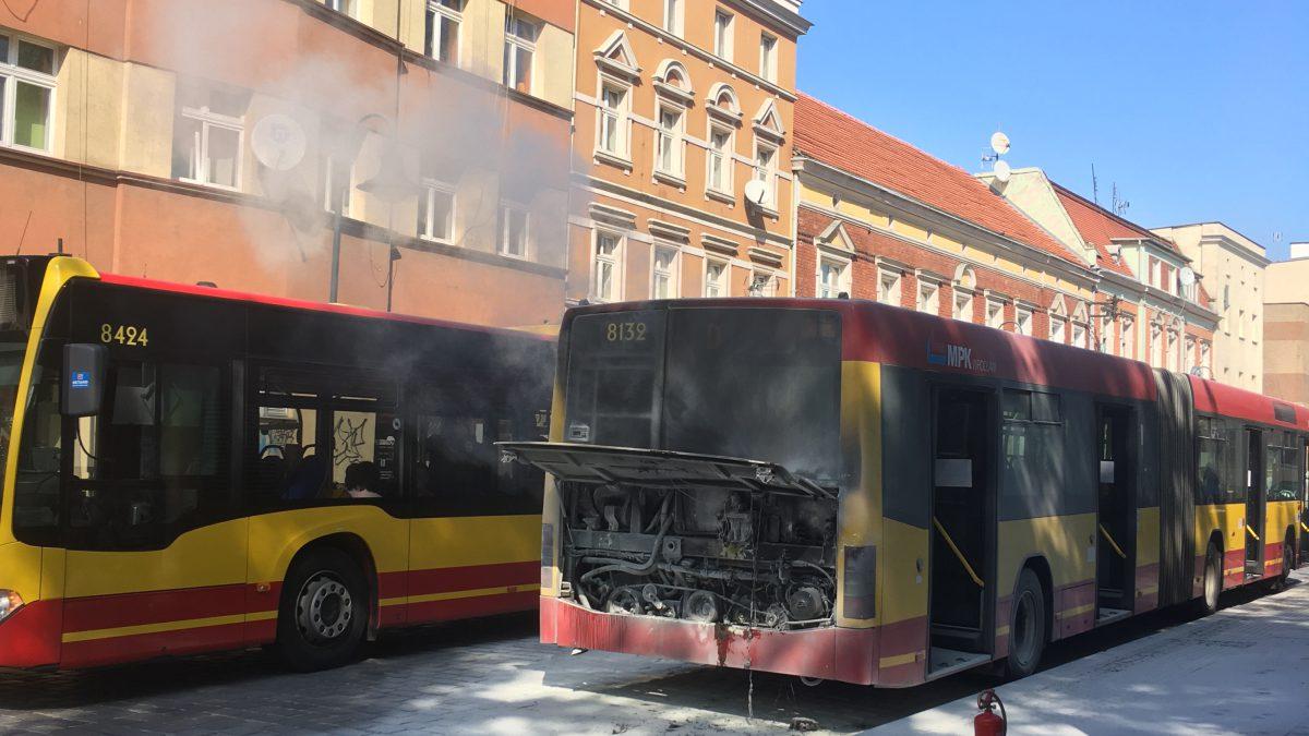 Pożar silnika w autobusie MPK.