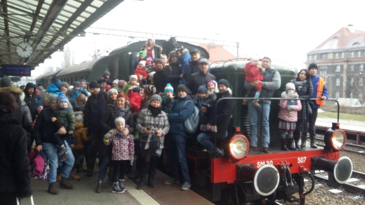 Mikołajkowe przejazdy retro pociągami.