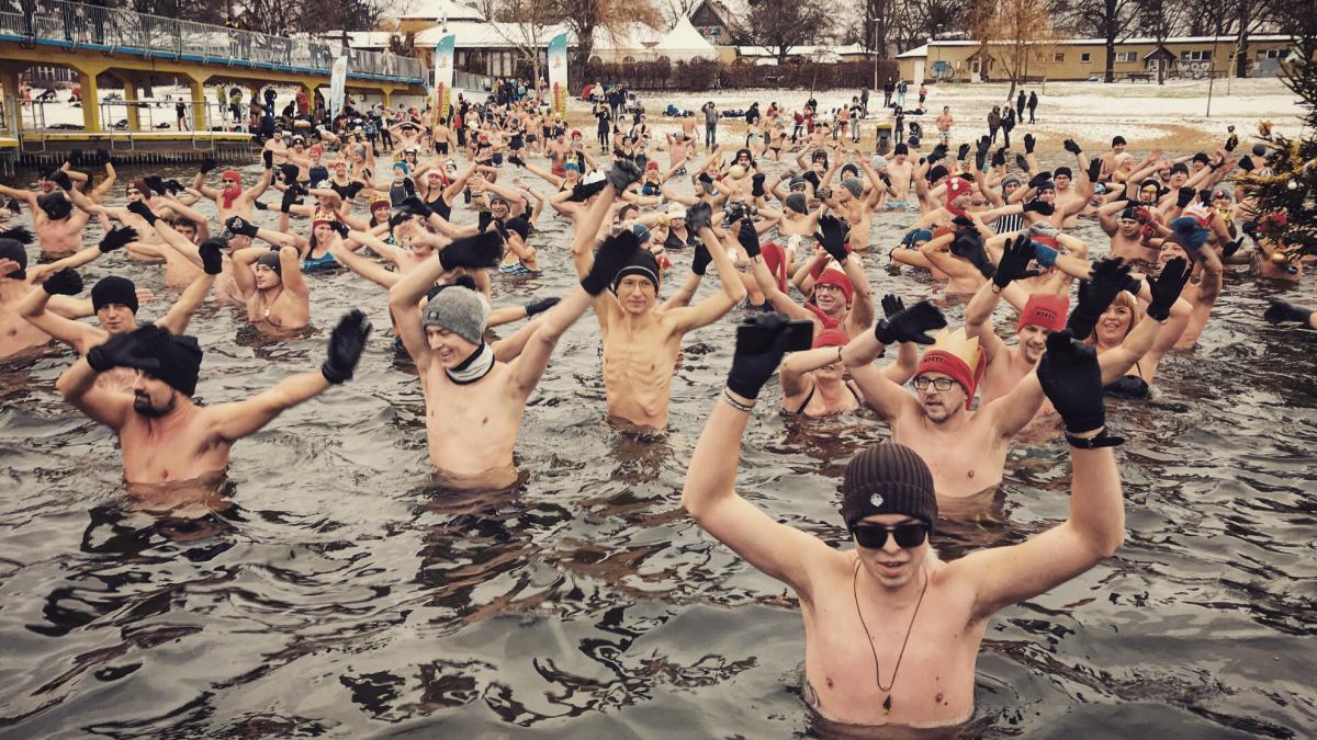 Morsowanie we Wrocławiu – sprawdź gdzie zażyjesz zimnej kąpieli [LISTA MIEJSC].