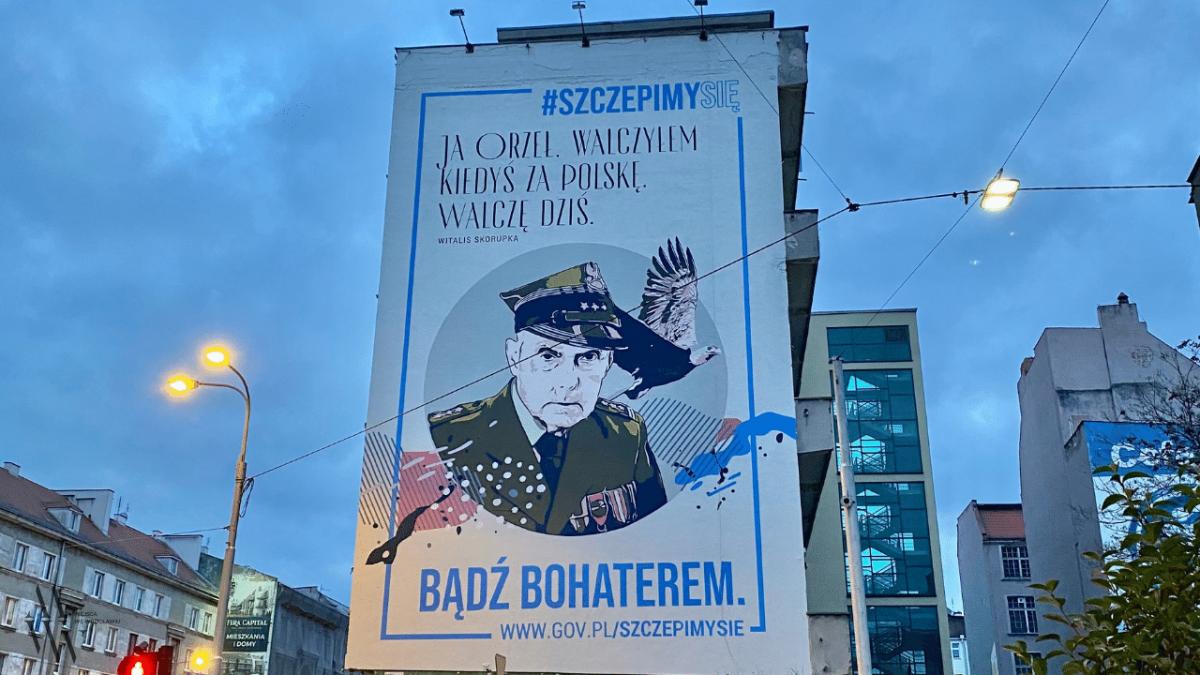 """""""Bądź bohaterem. Zaszczep się!"""" – nowy mural we Wrocławiu."""