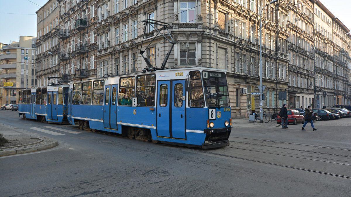 Od dziś tramwaj-ogrzewalnia dostępny dla bezdomnych.