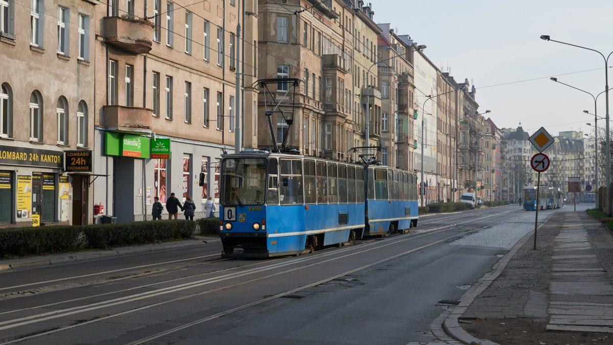 Konserwator Zabytków nie zgadza się na asfalt na ul. Pomorskiej.