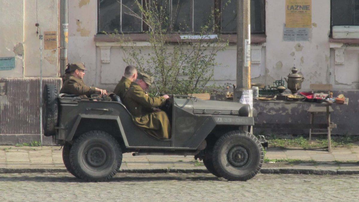 Plac Piłsudskiego zamienił się w plan zdjęciowy [GALERIA].