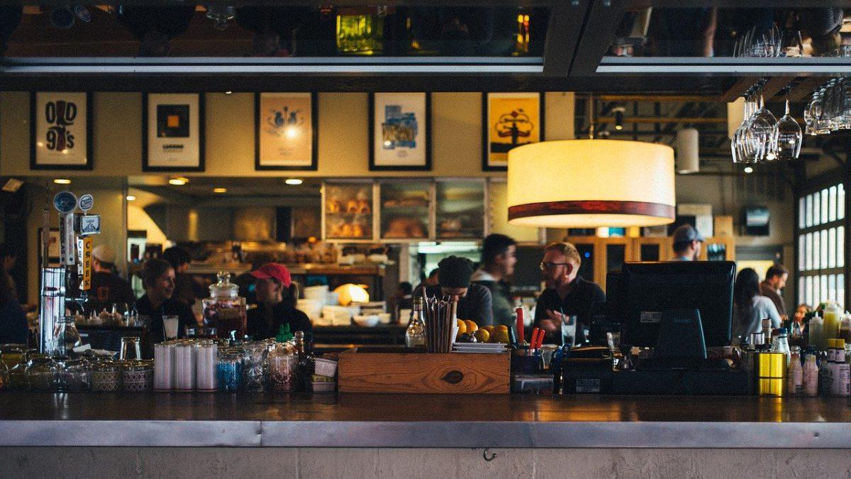 Od dziś restauracje przyjmują gości także wewnątrz lokali!