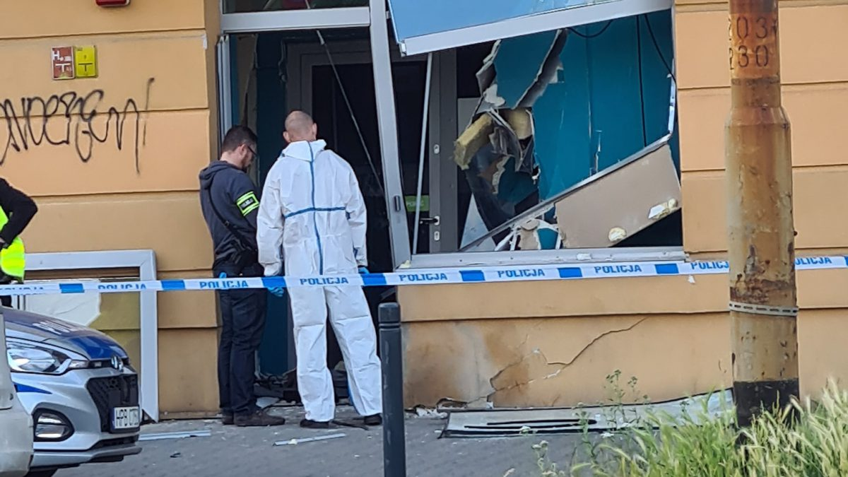 Wybuch w banku przy ul. Żmigrodzkiej.